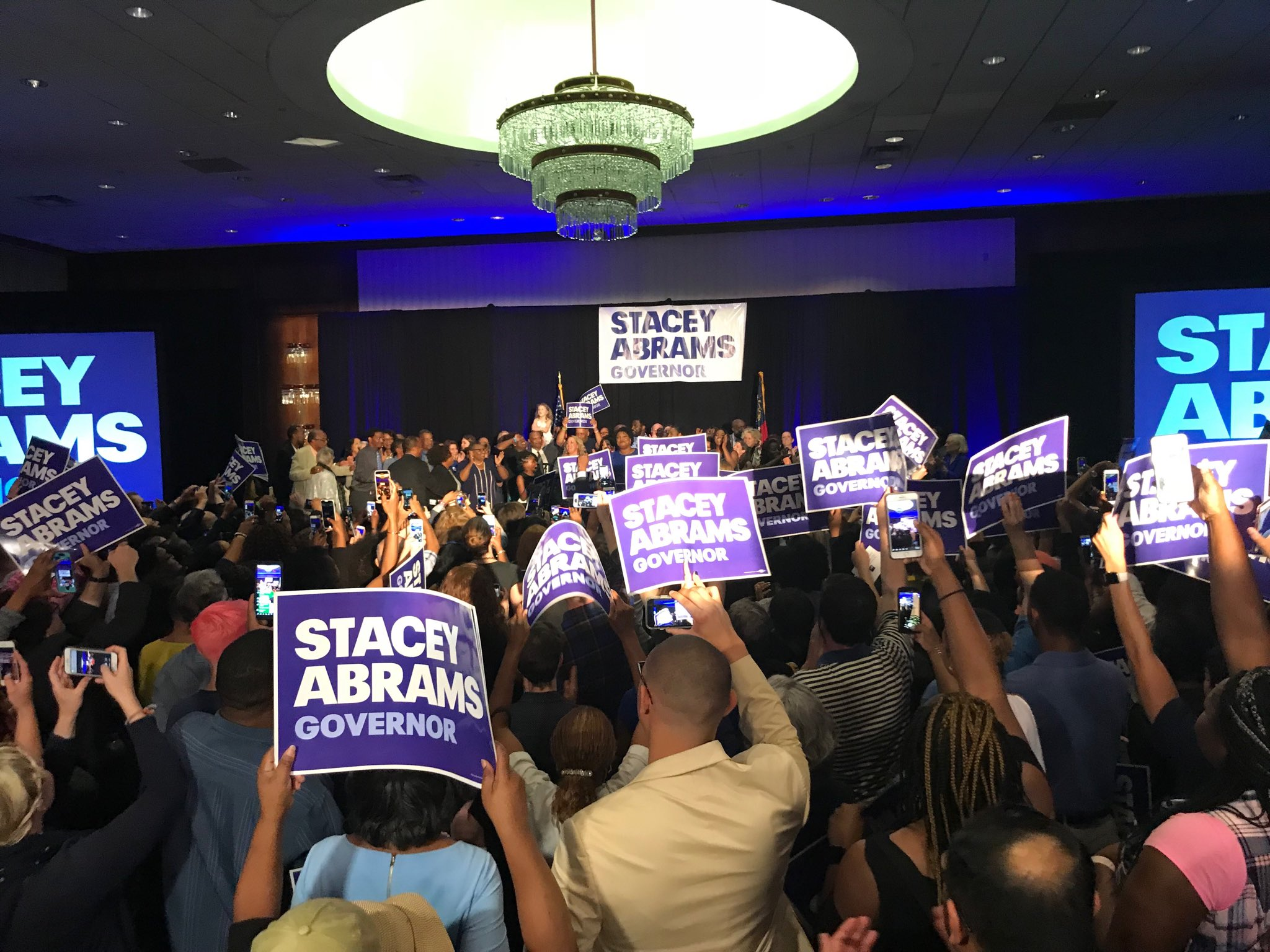 Candidate @staceyabrams on the stage https://t.co/D6SkyKhm3T