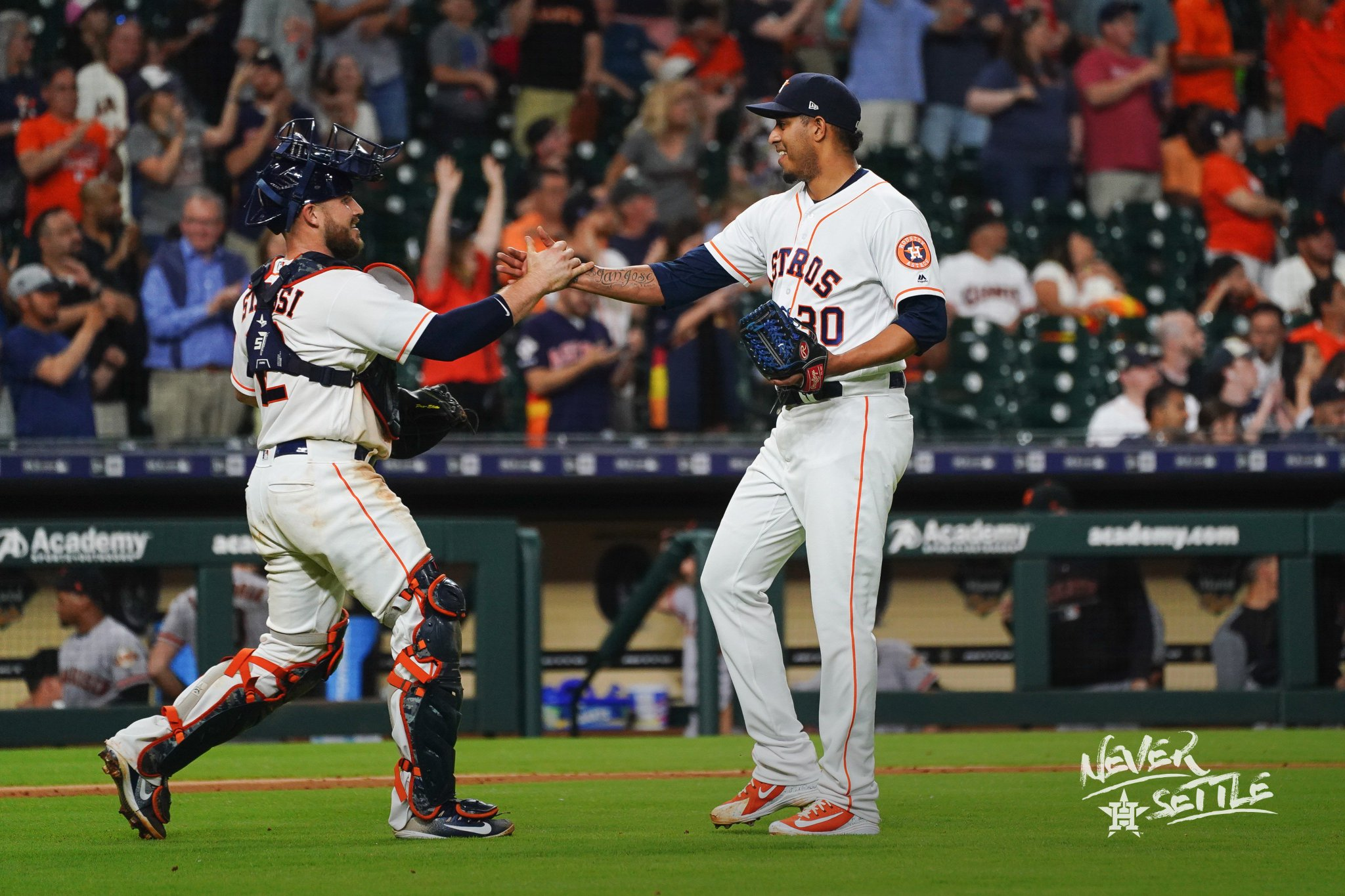 W. 31-18. #NeverSettle https://t.co/48sl6wsijw