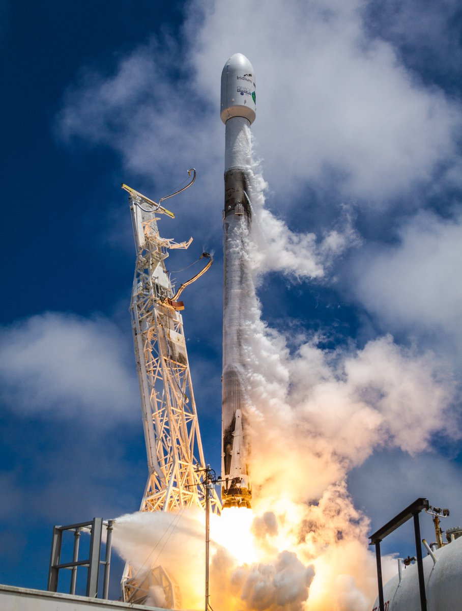 More photos from today's Falcon 9 launch →