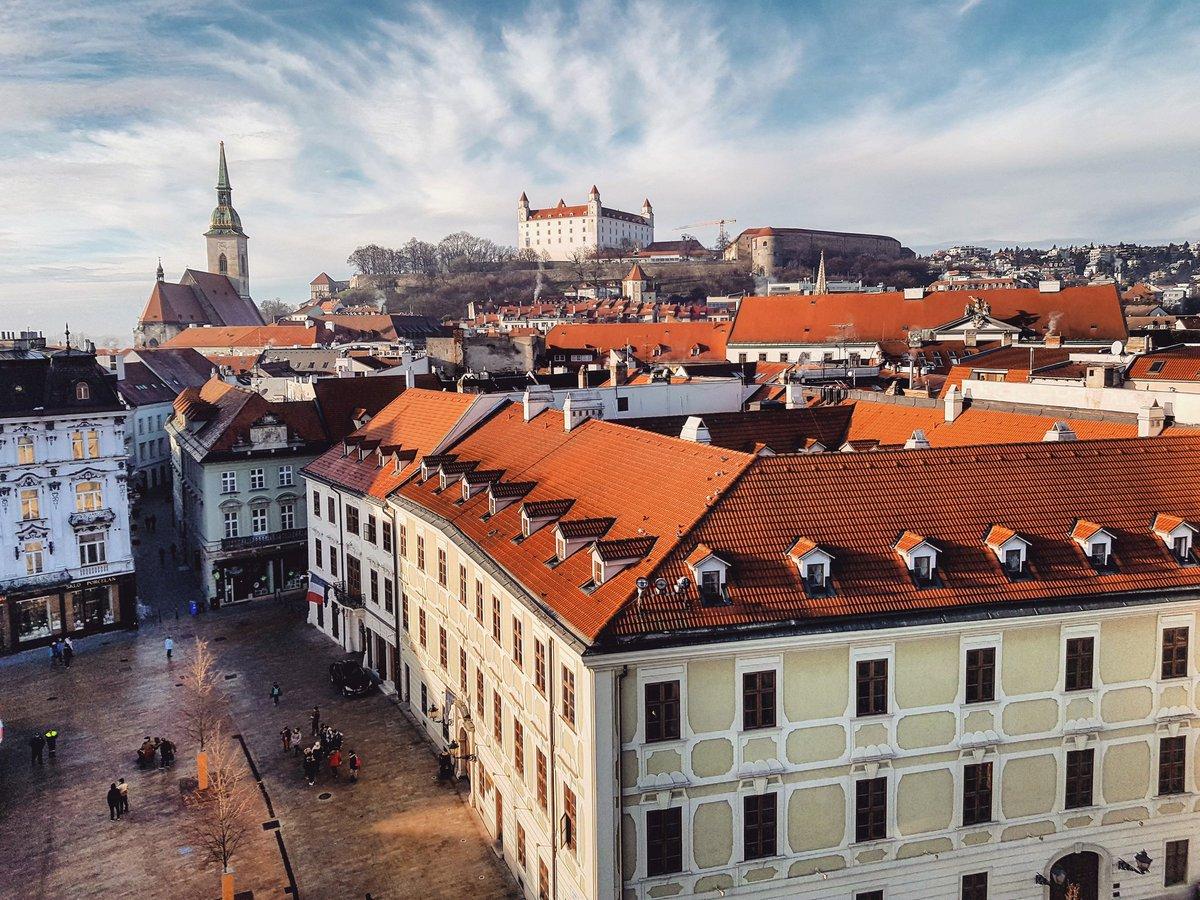 Amazing panorama of the Old Town of #Bratislava, #Slovakia _ #travel #travelblog #travelblogger #traveling #exploring  RT<br>http://pic.twitter.com/WlEIpNoyQ1