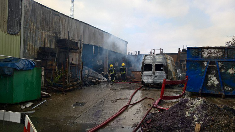 #Thisweek - around 100 firefighters attended a large blaze at a paper recycling plant in #Barking Part of the factory was damaged but fortunately there were no reports of any injuries https://t.co/FZsXLpPaX4