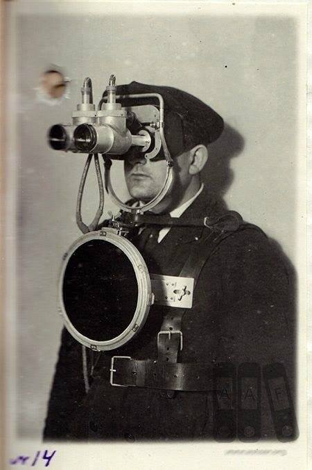 First Soviet prototypes of the night vision goggles appeared in early 1940s <br>http://pic.twitter.com/3fs4SxsczW