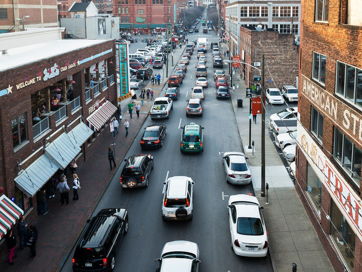 How will cities deal with greater traffic if not mass transit systems and zoning changes? #Carsharing and other tech promises a solution. #Regulation  https://www. wired.com/story/nashvill e-transit-referendum-vote-plan/ &nbsp; … <br>http://pic.twitter.com/wBIHghtADZ