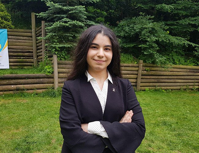 18-year-old becomes Turkey's youngest ever MP candidate  https://t.co/U10GjWqUhn