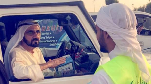 Watch: Mohammad surprises iftar volunteers on Dubai road https://t.co/AvDjctTMHL