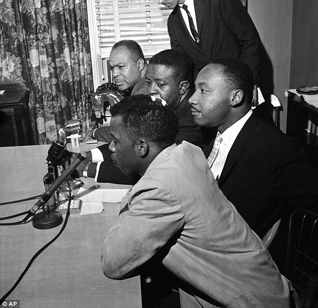 #OTD 1961, #CivilRights leaders James Farmer, Ralph Abernathy, #MLK &amp; future @RepJohnLewis announced that the #FreedomRides would continue. Lewis was wearing bandages from the beating he received in Montgomery. #WednesdayWisdom #history #sschat #tdih  https://www. clarionledger.com/story/news/loc al/journeytojustice/2018/05/21/civil-rights-history-freedom-riders-arrested-mississippi/629282002/ &nbsp; … <br>http://pic.twitter.com/8vqhFJJGAk