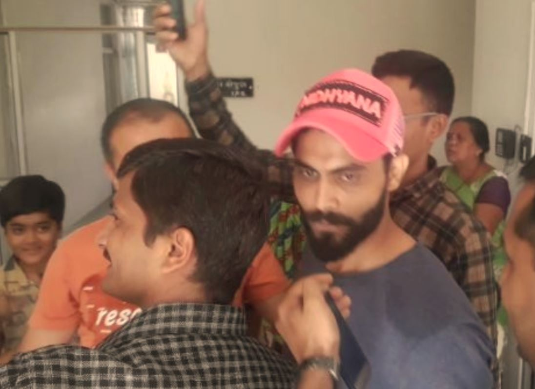 Jadeja comes to home-town Jamnagar amid busy IPL schedule to meet wife Rivaba