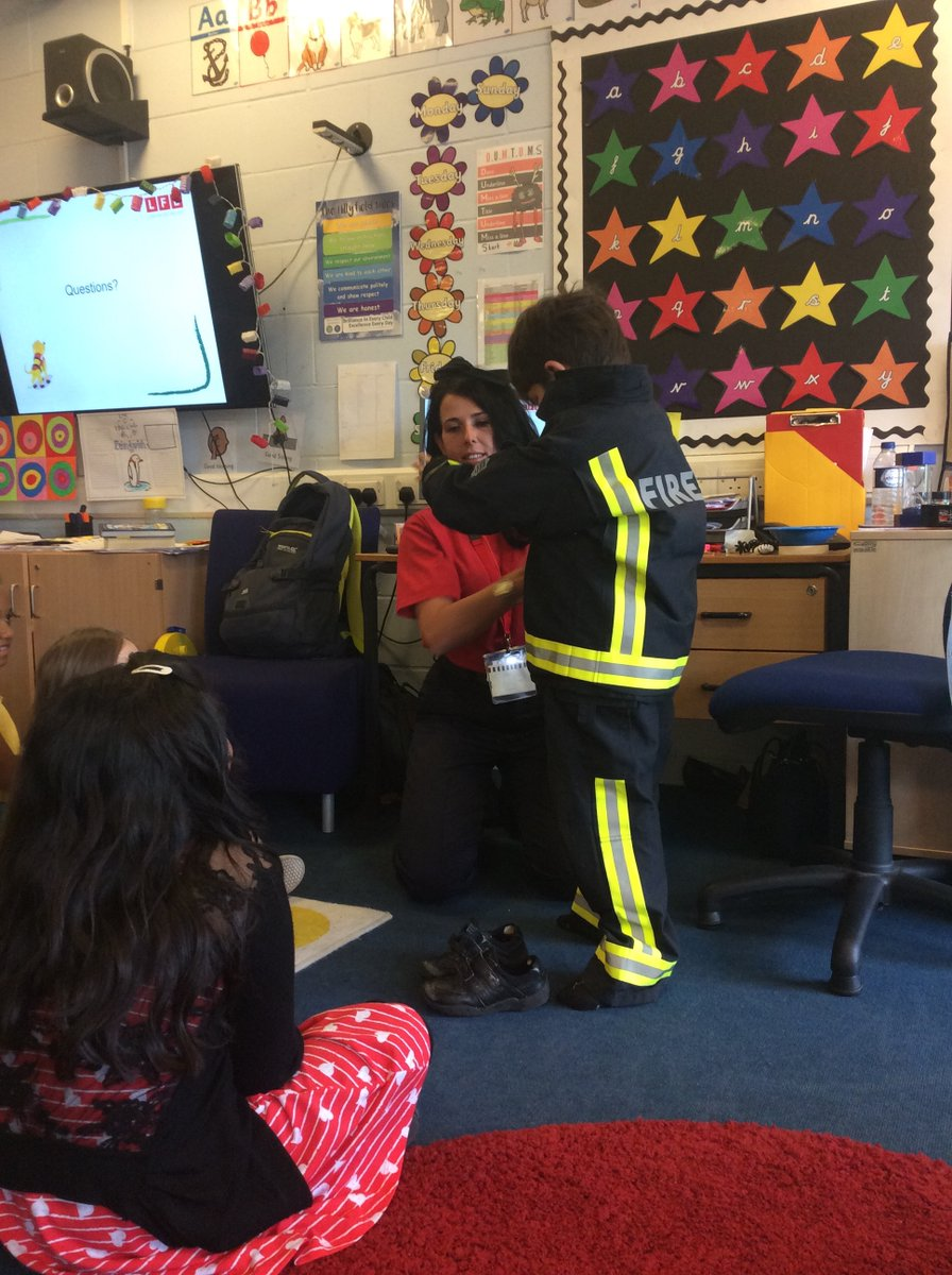 Firefighters paid a visit to @Hillyfield_E17 school in #Walthamstow #thisweek They talked to the children about what to do if there is a fire - and some of the youngsters even got to try on our mini fire gear. Thank you for having us!