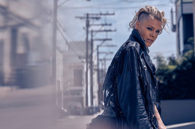 P!nk returns to No. 1 on the Billboard Artist 100 chart and BTS bounds to No. 4 https://t.co/8yvyh6zgyG https://t.co/r8FK359hn8