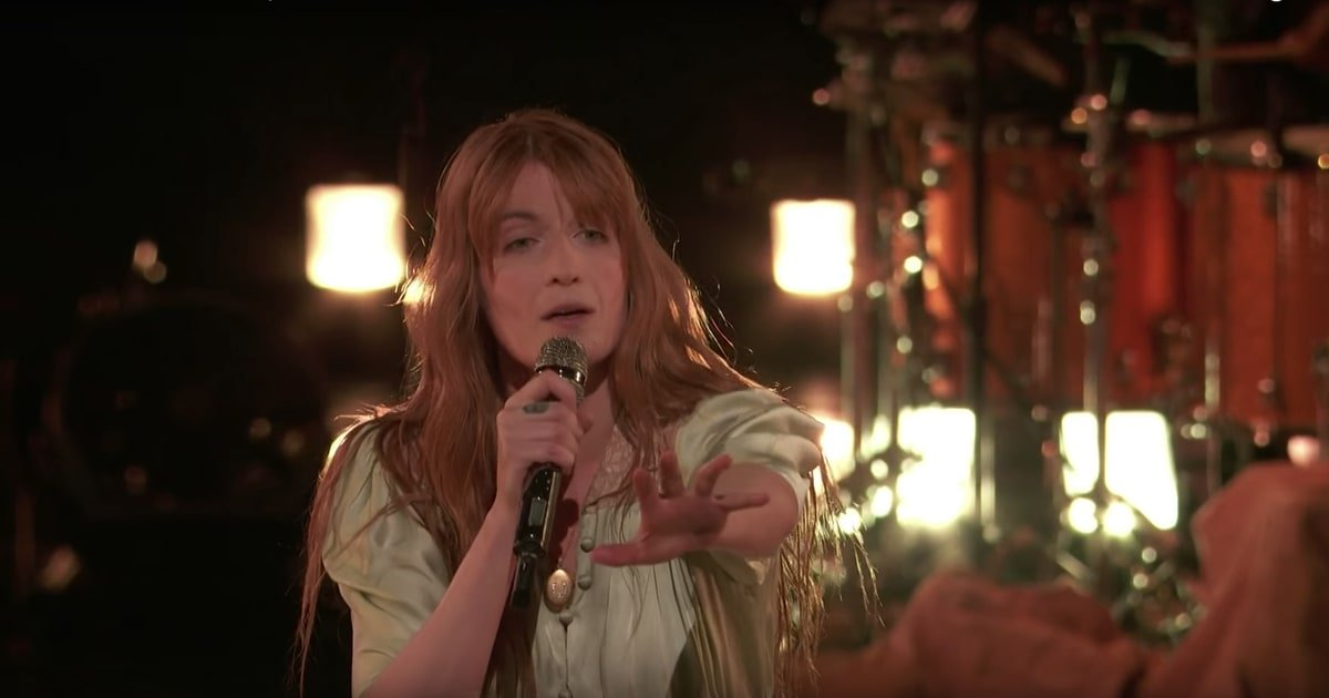 See Florence and the Machine perform their riveting new song 'Hunger' on #TheVoice https://t.co/mxhpD2qRfm https://t.co/ZD44DMSJSW
