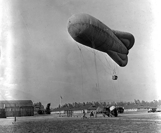 U.S. ARMY BALLOON COMPANIES, AEF AIR SERVICE - World War I When the United States entered World War I, the U.S. Army Signal Corps Aeronautical Division was responsible for the organization, training and employment of all aviation, balloons as well as aircraft #WWI100 #armyhistory<br>http://pic.twitter.com/IQ95M0Hs2E