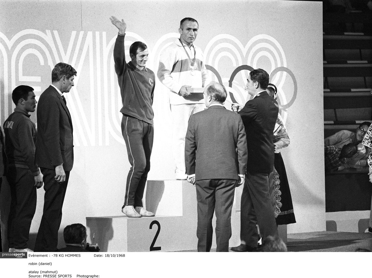 #Lutte Daniel Robin s&#39;est éteint.  https:// bit.ly/2s8ihPT  &nbsp;   Double olympique à #Mexico1968, champion #monde &amp; #Europe, ancien vice-pdt @FFLutte, Athlete Role Model des 1ers @youtholympics de #Singapour2010, directeur sportif #lutte pour #Londres2012...<br>http://pic.twitter.com/8kZUYJvez0
