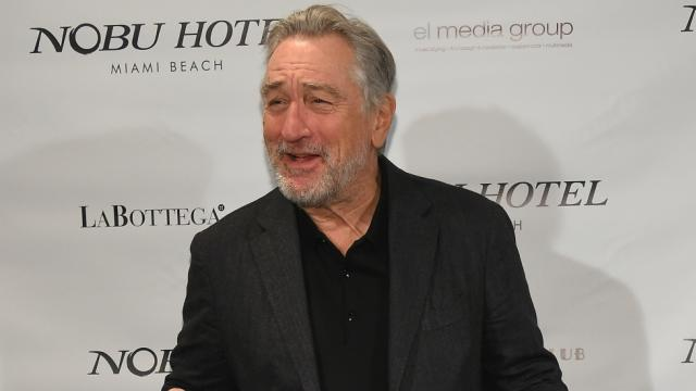 Robert De Niro bans Trump from his restaurants https://t.co/ufJ4CVbEBu https://t.co/Q4arISBERt