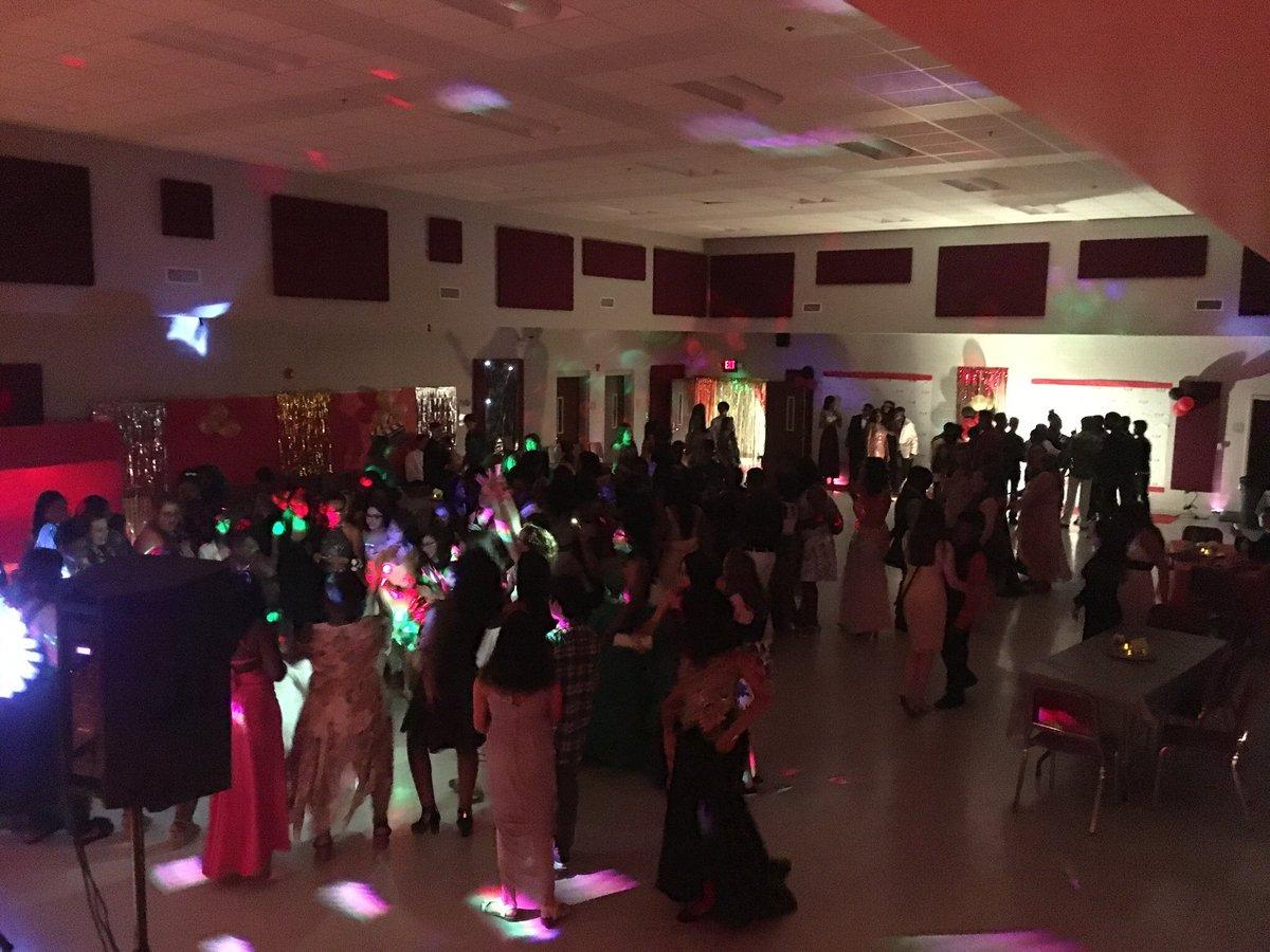 Horn Lake Middle On Twitter Hlms 8th Grade Dance Eaglepride Teamdcs Raisethebar