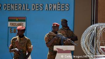 #Burkina Les terroristes abattus  dans la nuit de lundi à mardi  étaient de nationalité burkinabè et malienne. En lien avec les attaques du 2 mars dernier, ils projetaient une autre attaque courant juin, selon Maïza Sérémé, la procureure du Faso.    https://t.co/5ECYVat6RT