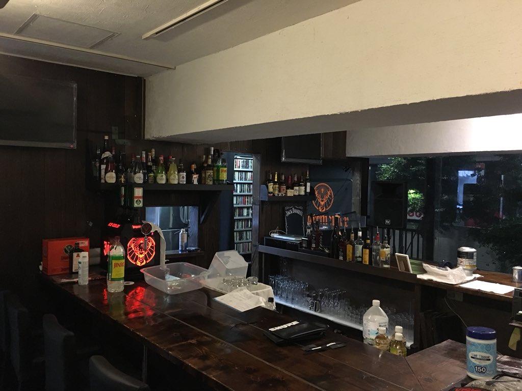 RT @DiceInn: 遂にお店らしくなりました! 明日MOKOMAのリスニングパーティーからのプレオープン突っ走りますよ!! よろしくお願い致します。 https://t.co/Ki4dOH7EZz