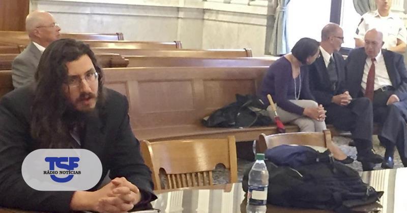 Tribunal obriga homem de 30 anos a sair de casa após processo dos pais https://t.co/176RGfSq1F Em https://t.co/MDmhqgtnSp