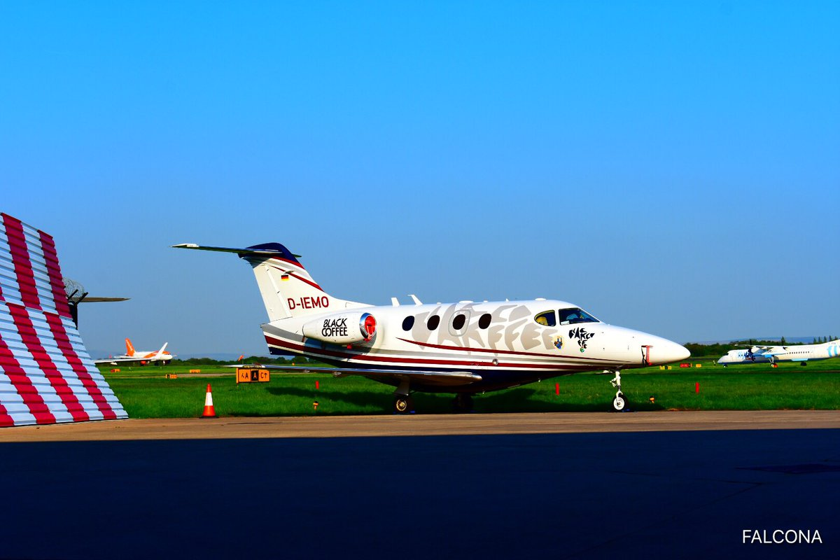 Snazzy looking Premier 1A #privatejet  <br>http://pic.twitter.com/6qMrHMbpsk