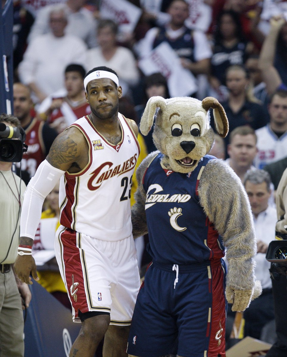 Cavs considering getting a therapy dog for entire team, per @joevardon ble.ac/2sa2ilh