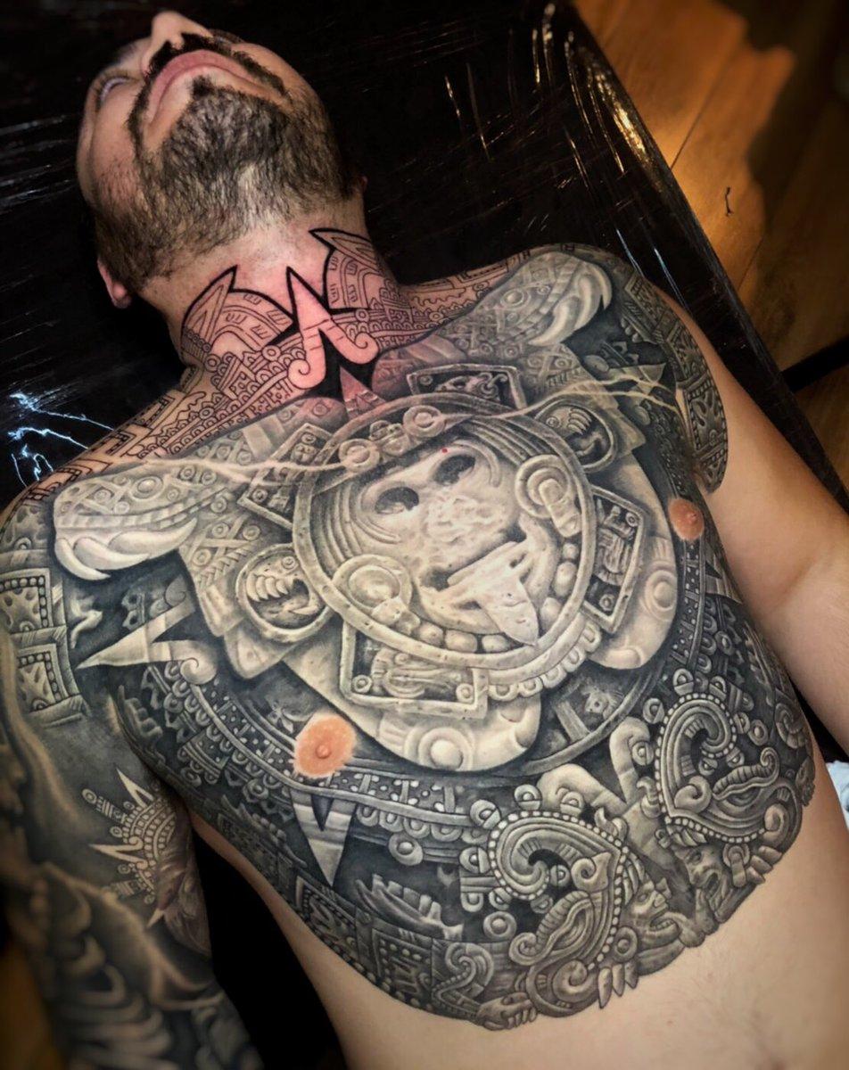 "6f13a6168ef9c ""Aztec Sun Stone ir Aztec Calendar"" http://www.tattoosbygoethe.com  pic.twitter.com/aGc6FoRVDp"