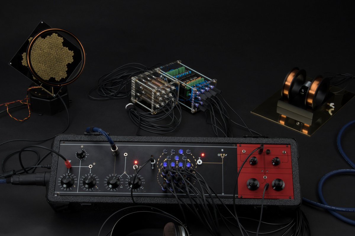 Kaabbalistic Synthesizer :  http:// bit.ly/2IHjDvQ  &nbsp;    The synth uses fluctuations in the Earth&#39;s Magnetic Field as the base carrier frequency of a 22 stage FM voice system.<br>http://pic.twitter.com/r3xB94k2NE