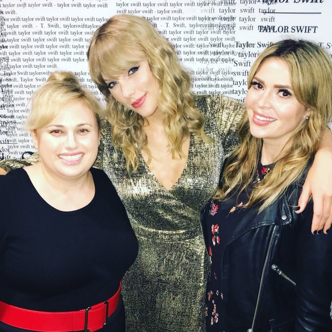 """""""I'd met Taylor at her birthday party a couple months ago and she said 'Come to the concert' and we went and it was so incredible. It was brilliant the spectacle of it — everything."""" - Rebel Wilson on the rep tour [@AmericanTop40]<br>http://pic.twitter.com/IbMWqbPSuk"""