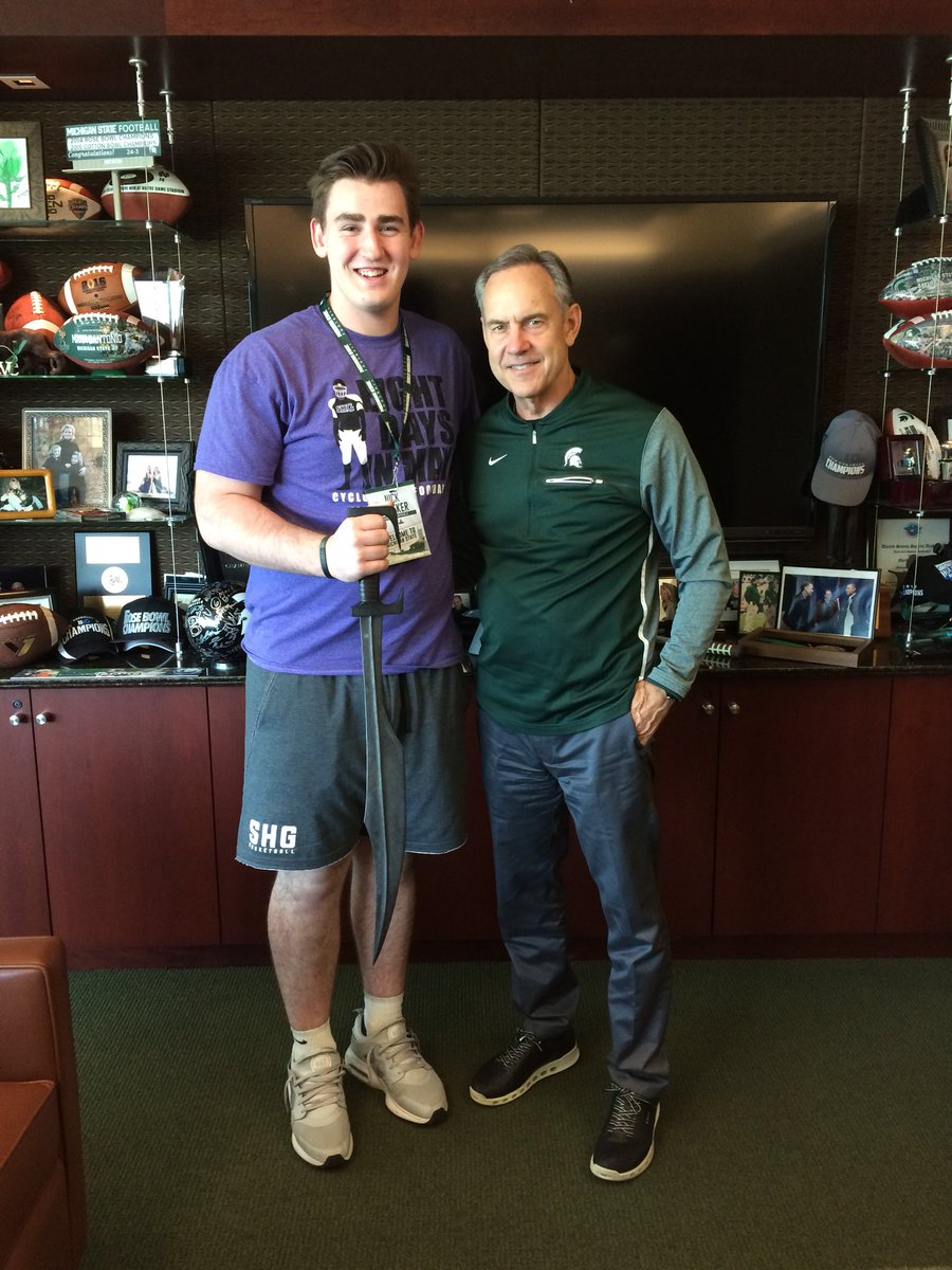 Thanks to the whole Michigan State staff for a wonderful visit today! #GoGreen<br>http://pic.twitter.com/ZB2WMd4Z9N