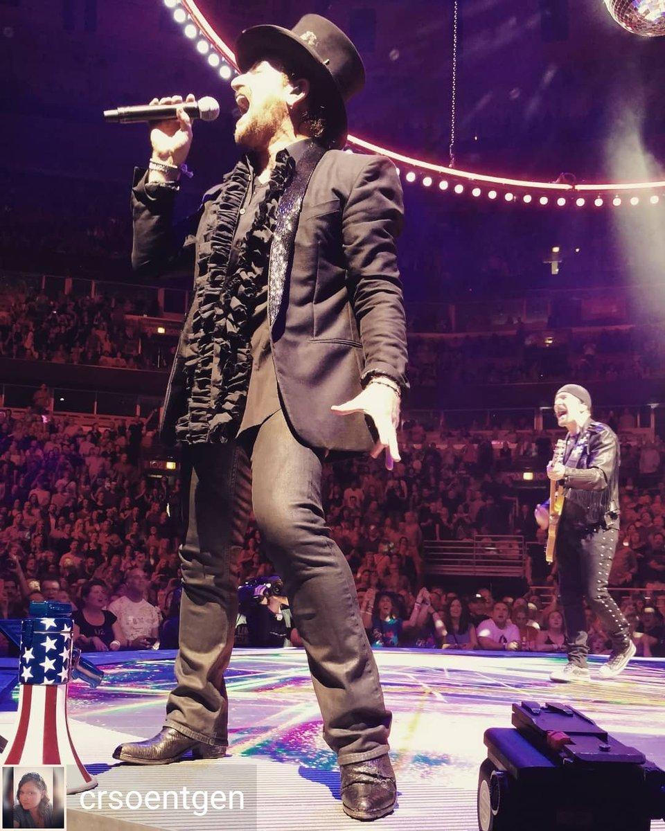 Dani Mattei On Twitter Bono During Desire May 232018 U2chicago2 Photo Crsoentgen Desire Https T Co Bbcpvqdmak U2 U2newsit U2songsofexperience