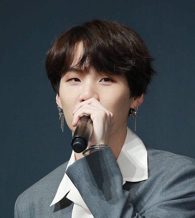 At press conference 5/24 @BTS_twt  SG :In this album we tried to do various styles, it would be better than to be in the safe zone. We have kind of competitions among our members, we wanna do better when we see the member who did good job, this desire makes these various genres. <br>http://pic.twitter.com/3f4kMxIFX6