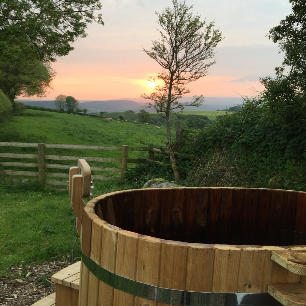 Good morning Devon ! Looking forward to the weekend ! #Bankholiday #devon #cornwall #glamping #loveinthecountryside #dartmoor #escapetothevountry<br>http://pic.twitter.com/470v2WgrTa
