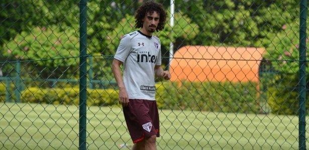 Valdívia volta a treinar e Aguirre indica o time titular no São Paulo https://t.co/ntXmgr8CfD