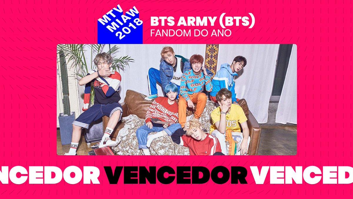 E é claro que o Army mais poderoso do mundo levou o prêmio de Fandom do Ano! Army BTS não falha nunca! #PremiosMTVMIAW