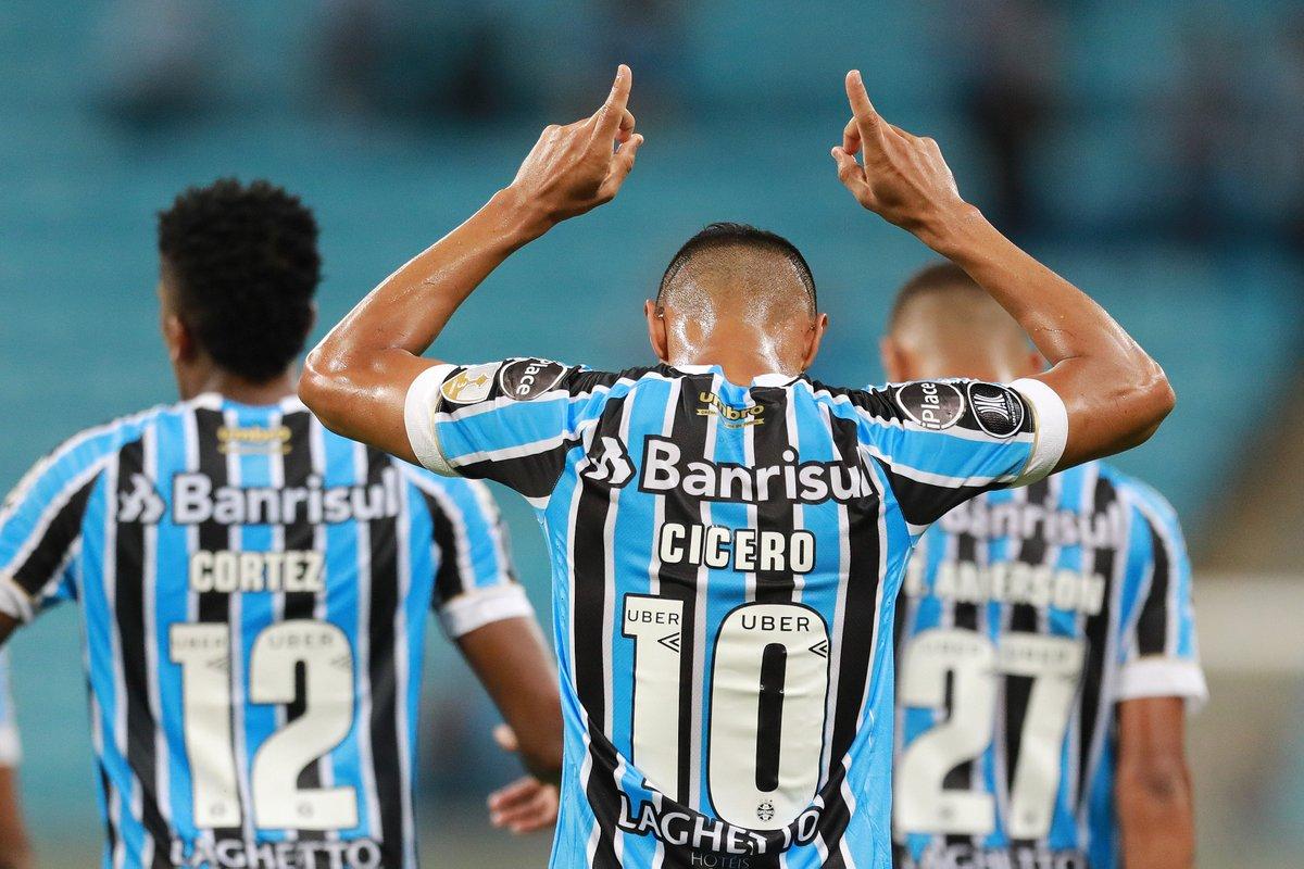 """CONMEBOL Libertadores on Twitter: """"¡El dueño del equipo! Cícero dio ¡149 pases! en la victoria de @Gremio ante @DefensorSp, con una precisión del 91,3%.… https://t.co/Fd7IoYB58w"""""""
