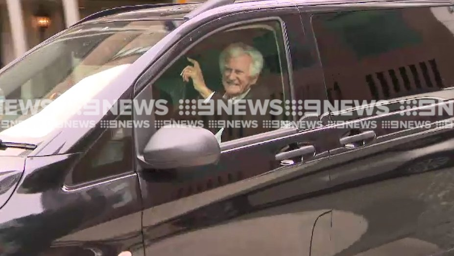 "A smile and a wave from Bob Hawke in Melbourne today. The former PM says he's looking forward to spending time ""on my balcony… overlooking the water and with my cigar"". Hear from him and wife Blanche d'Alpuget on @9NewsMelb @9NewsAUS at 4pm and 6pm<br>http://pic.twitter.com/T82U5LbzWg"