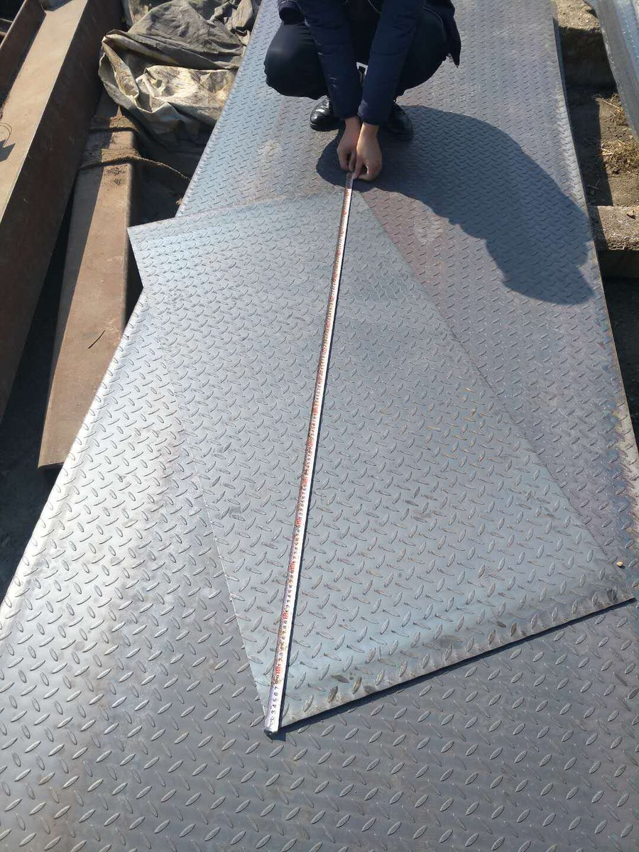 Checkered Steel Plate,Chequered Plate,Floor steel Plate Pattern: Tear drop Skype:jina1201 Email: tina@qdhcsteel.com WhatsApp: 0086-15053230960 Web:http://www.qdhcsteel.com/www.hciron.cn