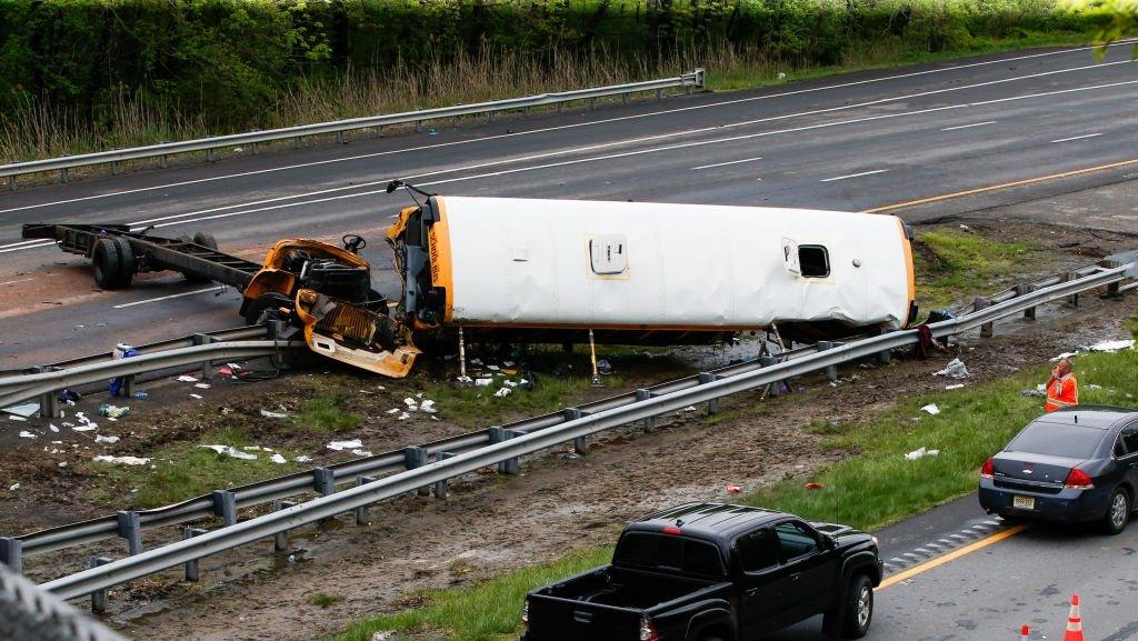 School bus driver in deadly highway crash had license suspended 14 times https://t.co/6JDK36ReGA