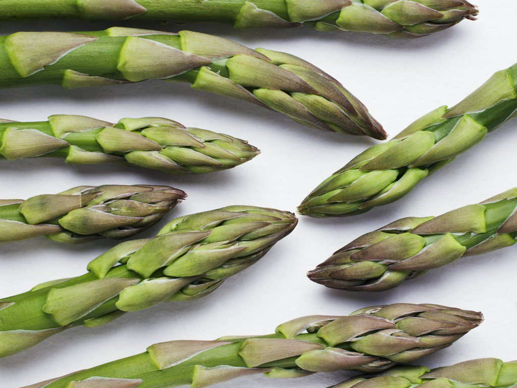 7 chefs on their favorite way to cook asparagus: https://t.co/XGsD2XIO15 https://t.co/54IzZoQUB3