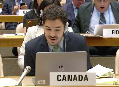 #Canada &#39;s #youth delegate Charles-antoine Barbeau asked for the inclusion of #mentalhealth in #NCDs #WHA71 Agenda.<br>http://pic.twitter.com/AGg9VEcRKz