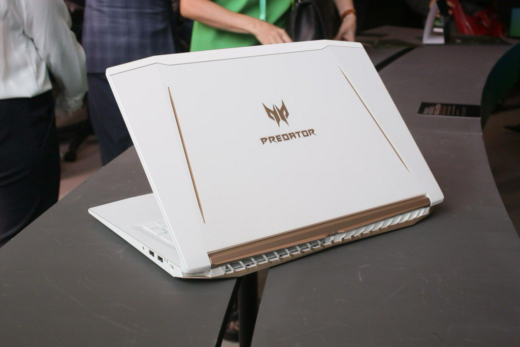 A special edition gaming laptop and high-powered Chromebooks: Everything Acer just announced  https:// cnet.co/2GKILMD  &nbsp;  <br>http://pic.twitter.com/wmdZfpFSlf