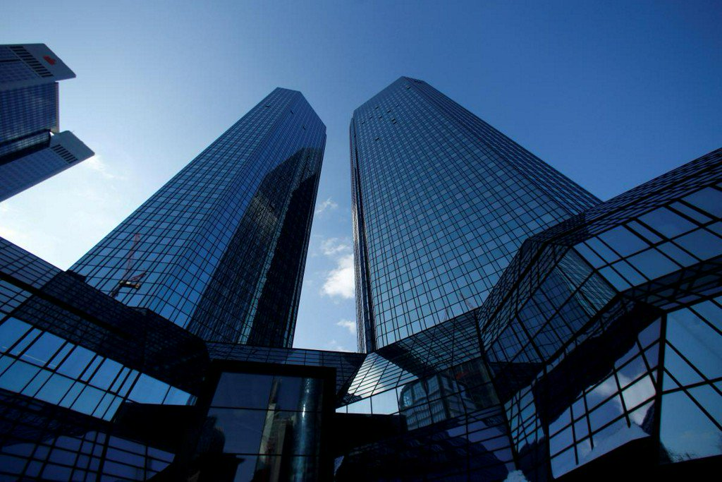 Deutsche Bank to cut thousands of staff in investment bank revamp https://t.co/Vbs2pdVAQJ