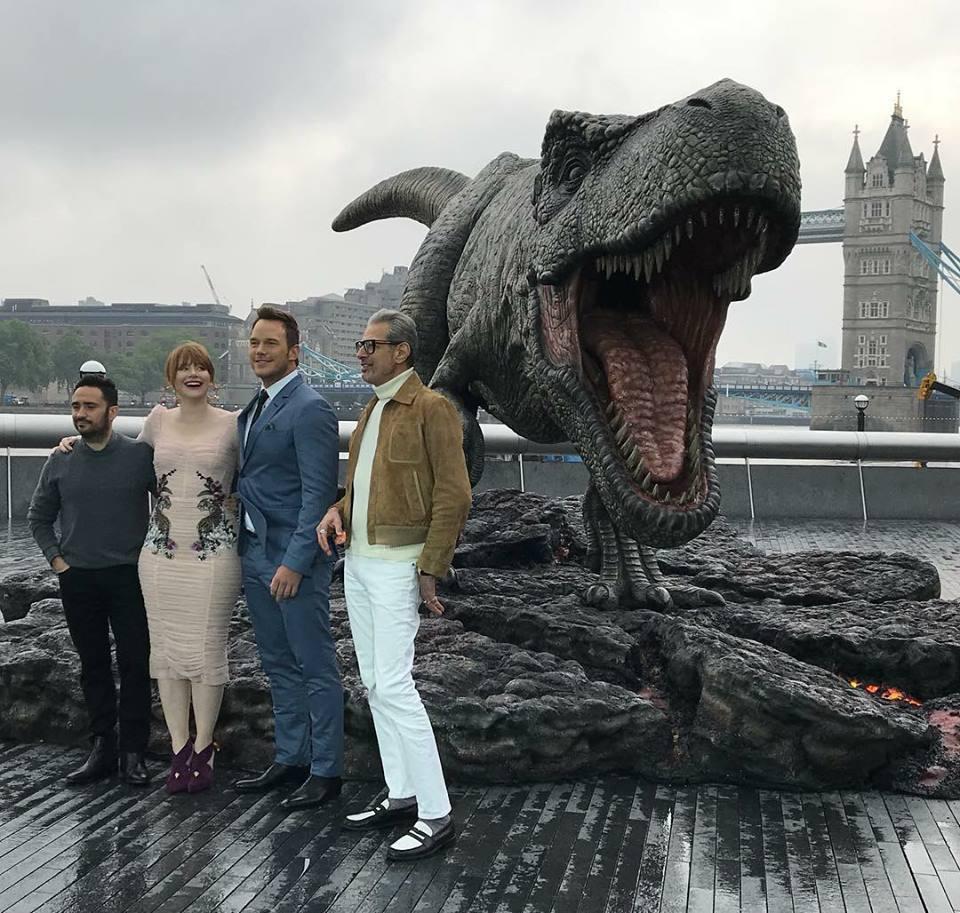 Fallen Kingdom lands in London! #JurassicWorld <br>http://pic.twitter.com/yGcez5OfNI