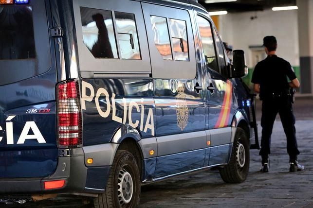 Interior despliega una gran operación contra una presunta trama de desvío de fondos públicos de hasta 10 millones de euros al procés https://t.co/miQs8VPuVk