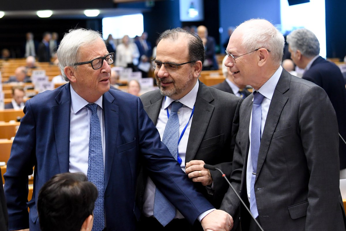 The top EU officials have arrived to the #EESC60.  Check our photo gallery.  @EESC_President  @JunckerEU  @CoR_President  @EU_Commission   Watch now live a speech of @HvRpersonal  http:// europa.eu/!mH83My  &nbsp;  <br>http://pic.twitter.com/sUruV79iYV