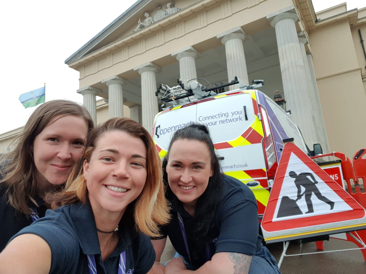 Today we are at @RMASandhurst where 900 11-15 yr old girls have come along for a STEM careers showcase. Here we are looking to find #Openreach engineers of the future #womeninengineering #openreachneedsyou #openreachatwork We are hiring. Apply now opnr.ch/trainee