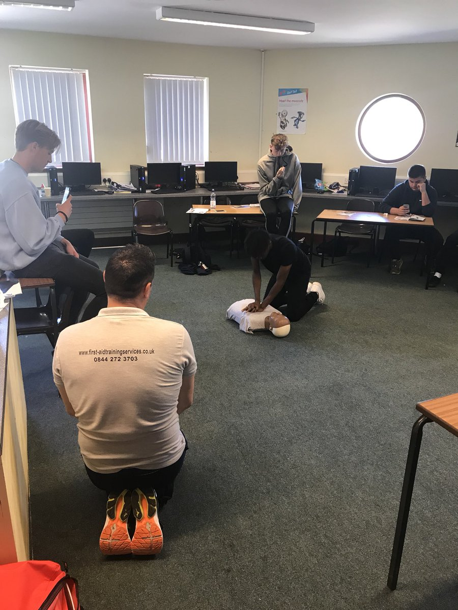 Thanks to @HuwWilliams261 who delivered an outstanding session to our level 3 Sports Students today!! First Aid Scenario treatments! @elycollege @BishopLaneyVI @NCFCRDP_Ely @NCFC_Cambs<br>http://pic.twitter.com/w8A7nKRwf8
