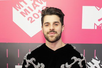 DJ Alok concorre hoje em duas categorias da premiação MTVMiaw https://t.co/iClFAX5YIt https://t.co/ody1lXmR26