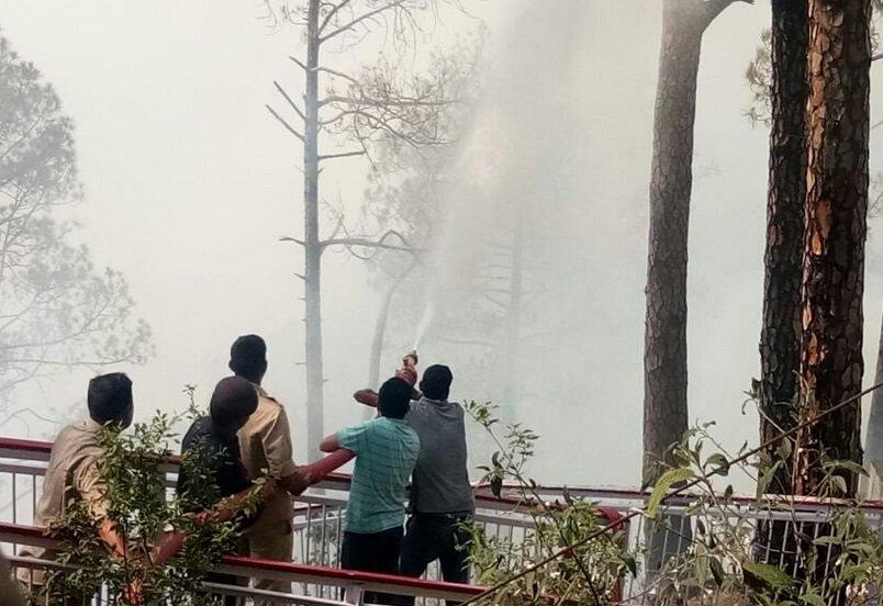 ઉત્તરાખંડનાં જંગલોમાં લાગેલી આગ જમ્મુ સુધી પ્રસરી, વૈષ્ણોદેવી યાત્રા રોકી દેવાઈ