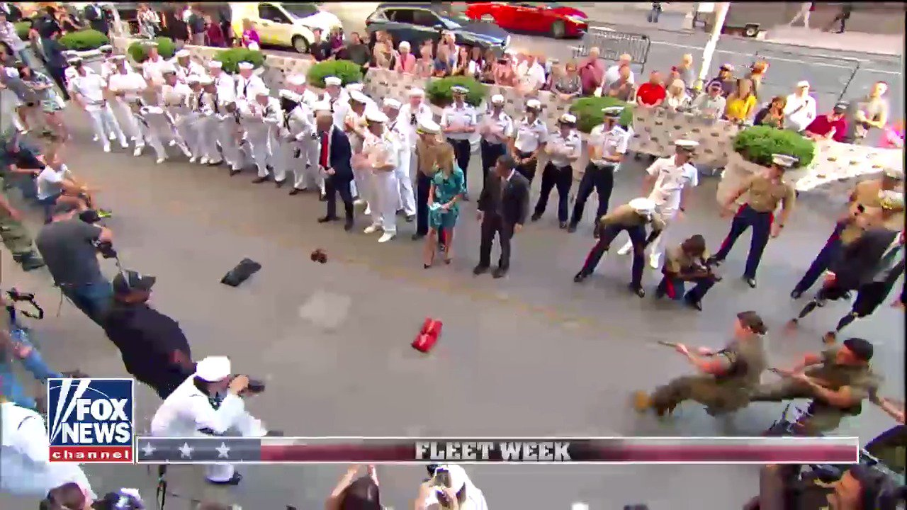 Heroes compete in tug-of-war for Fleet Week @USNavy @USMC #ProudAmerican @foxandfriends https://t.co/aD4SXaMcAH