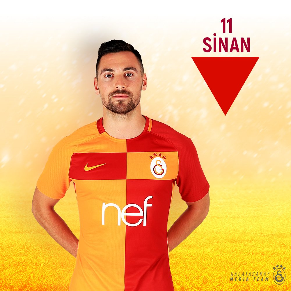68' - 🔁 First sub of the night for CimBom.