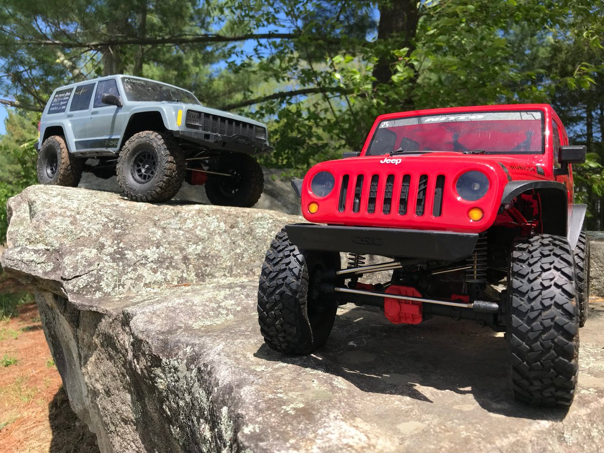 The AX90047 2000 #Jeep Cherokee Or The AX90060 2017 Jeep #Wrangler  Unlimited CRC? Specs Here: Http://www.axialracing.com/t/vehicles/scx10 U2026